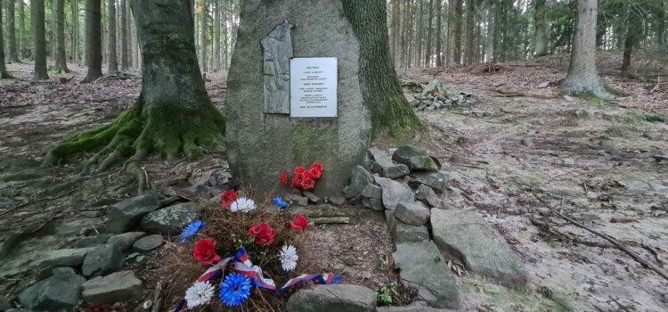 Pomník brdským partyzánům pod Kuchyňkou