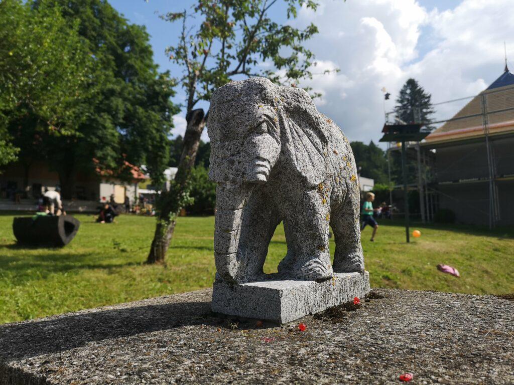 Bílý slon