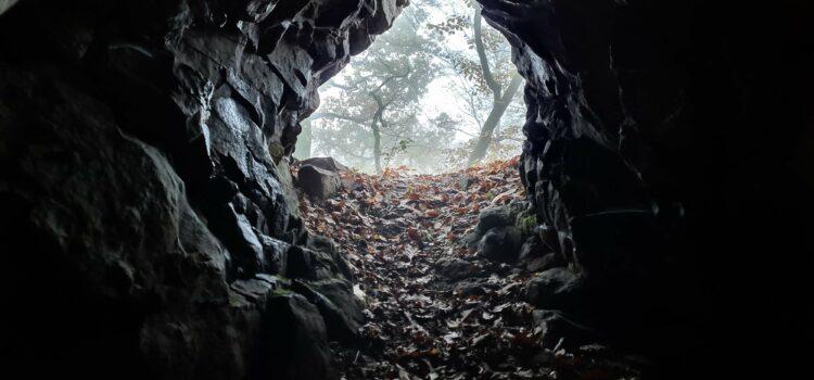 Jeskyně pod vrchem Babka